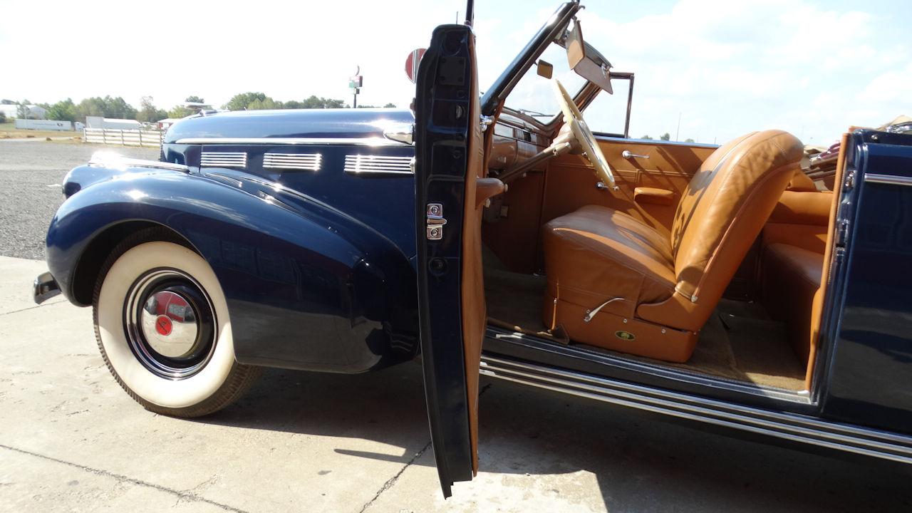 1940 Cadillac LaSalle 73