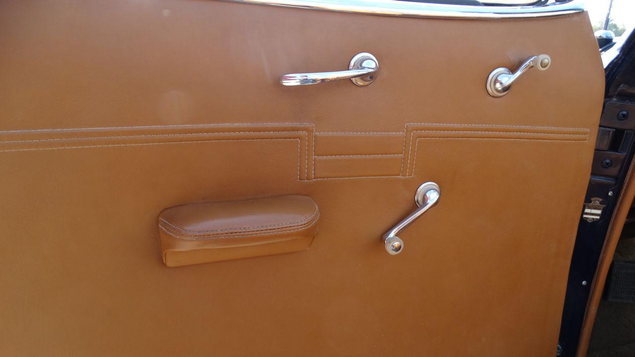 1940 Cadillac LaSalle 82