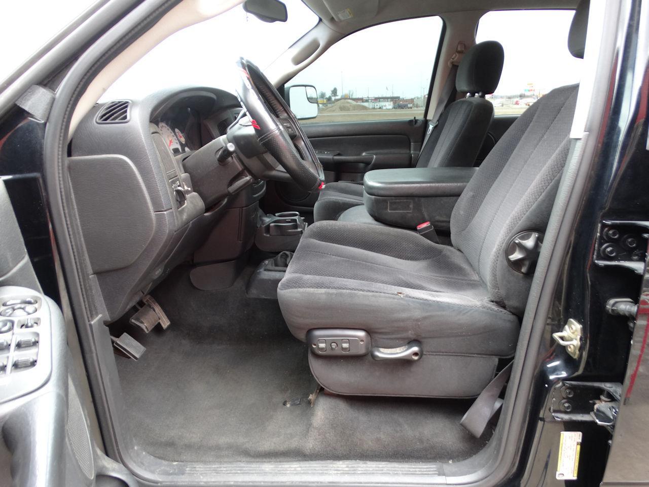 2005 Dodge Ram 64