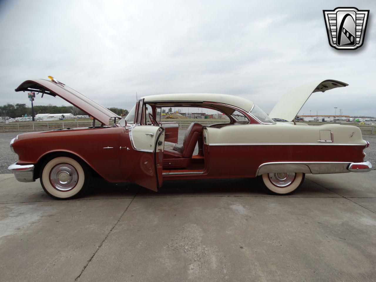 1955 Pontiac Star Chief 17