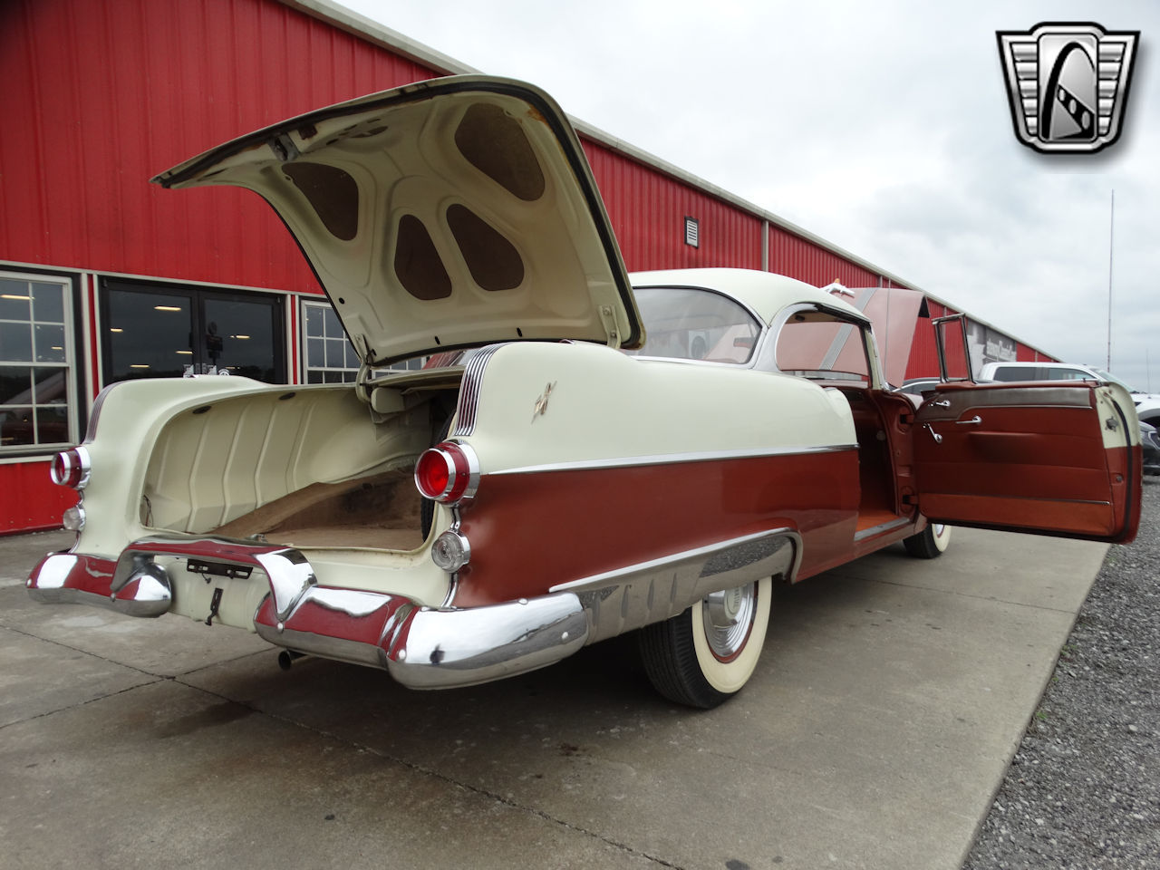 1955 Pontiac Star Chief 23