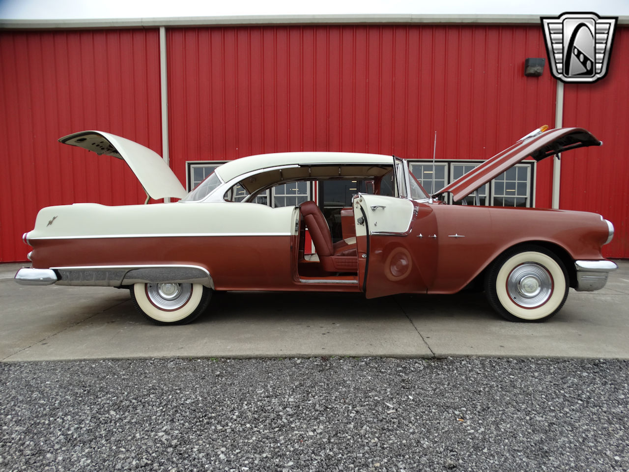 1955 Pontiac Star Chief 25