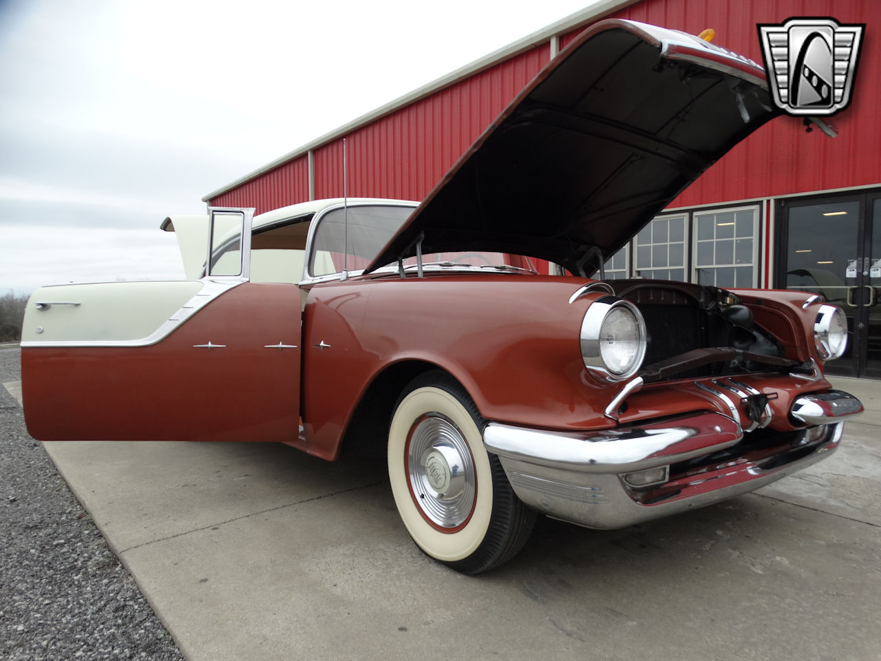 1955 Pontiac Star Chief 27