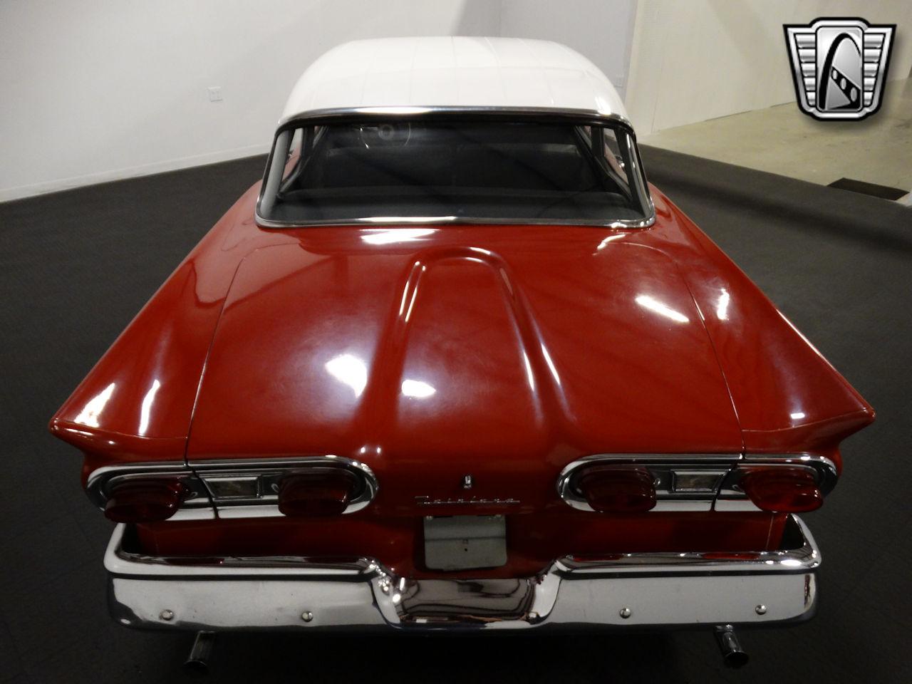 1958 Ford Fairlane 28