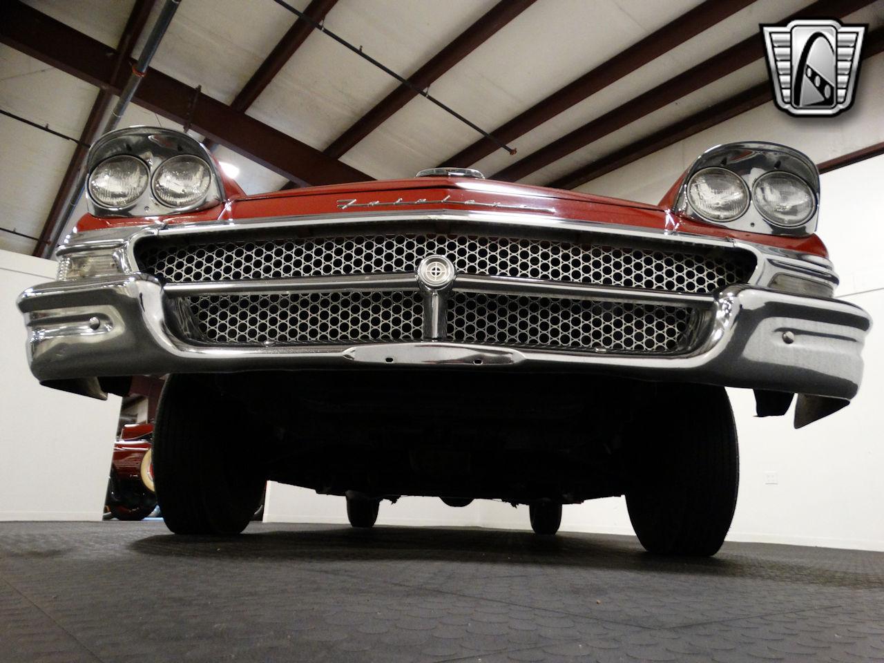 1958 Ford Fairlane 32
