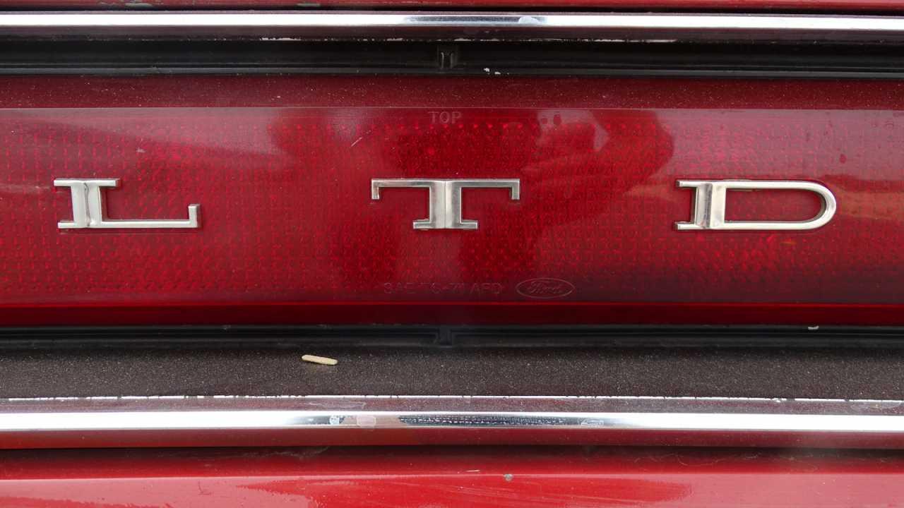 1971 Ford LTD 72
