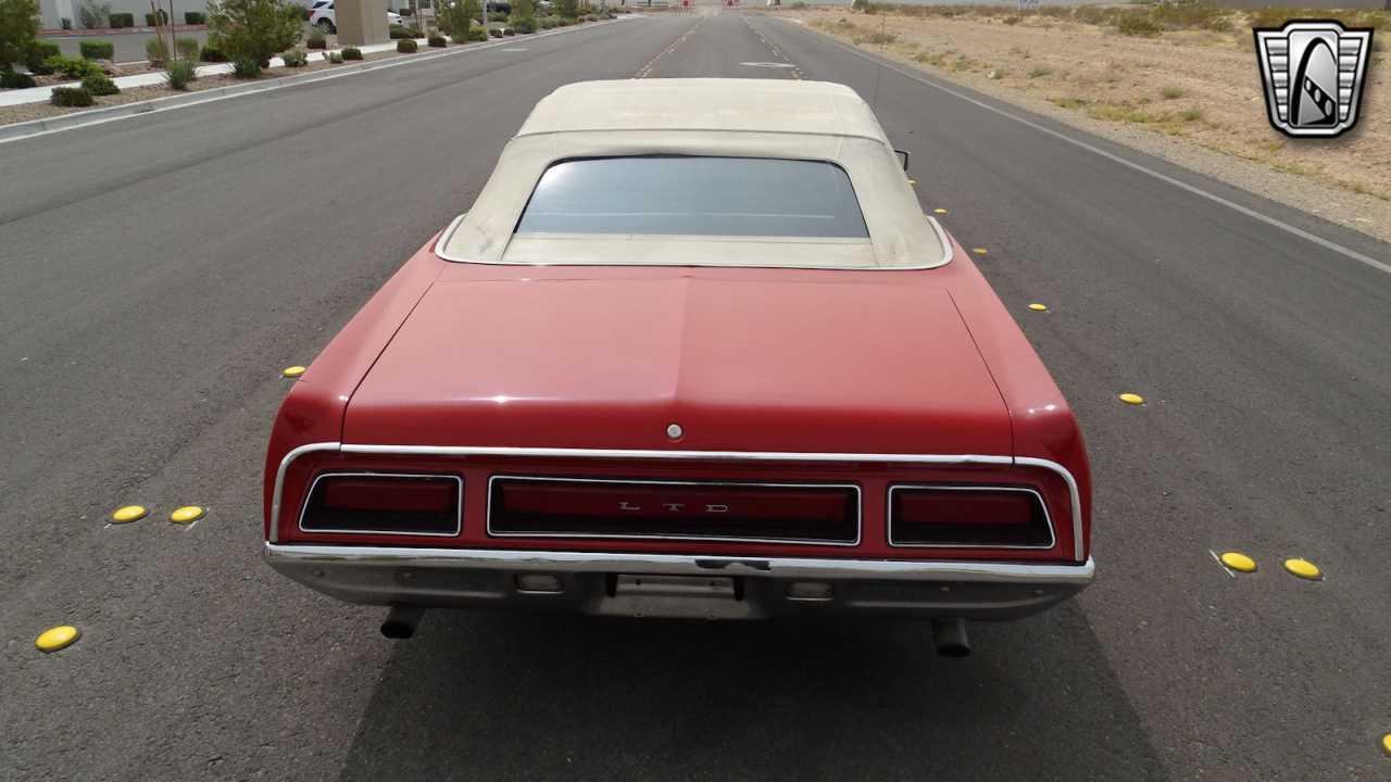 1971 Ford LTD 26