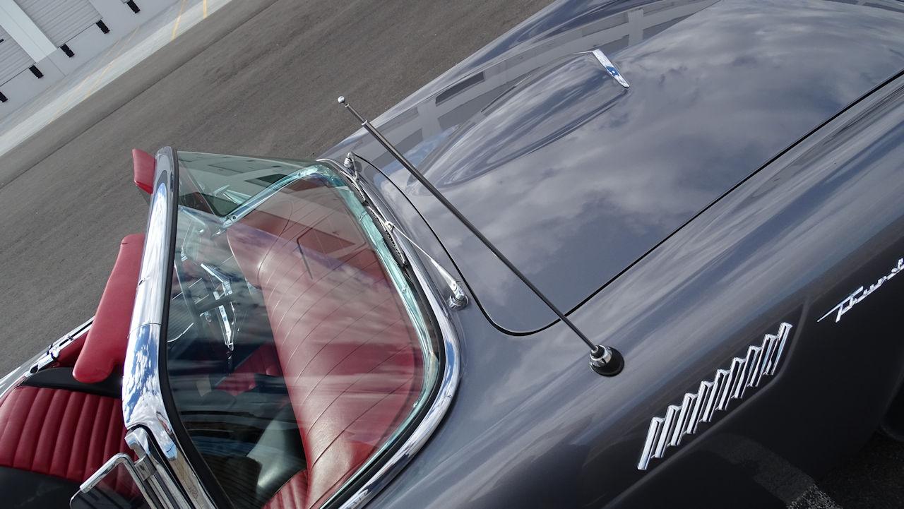 1957 Ford Thunderbird 68