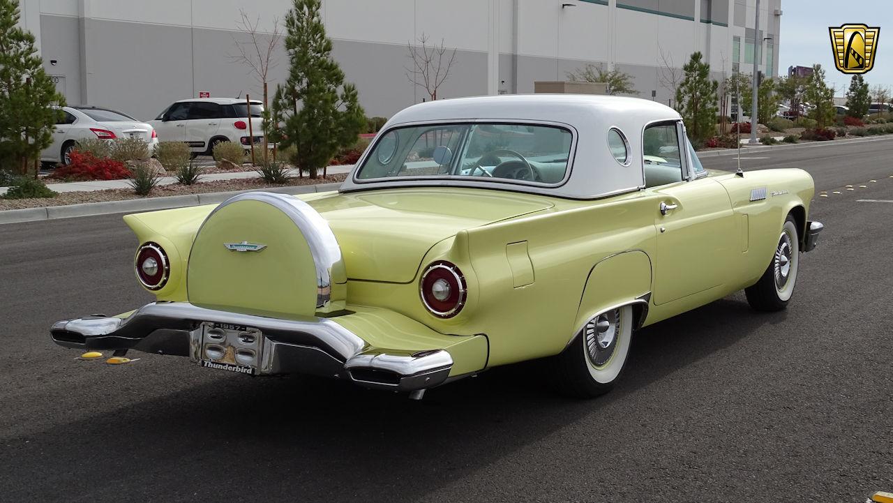 1957 Ford Thunderbird 8