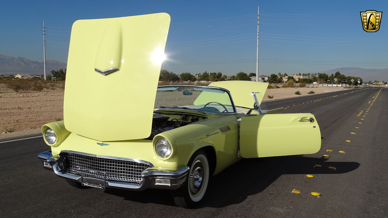1957 Ford Thunderbird 36