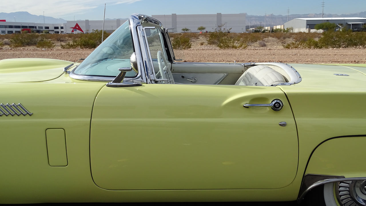 1957 Ford Thunderbird 42