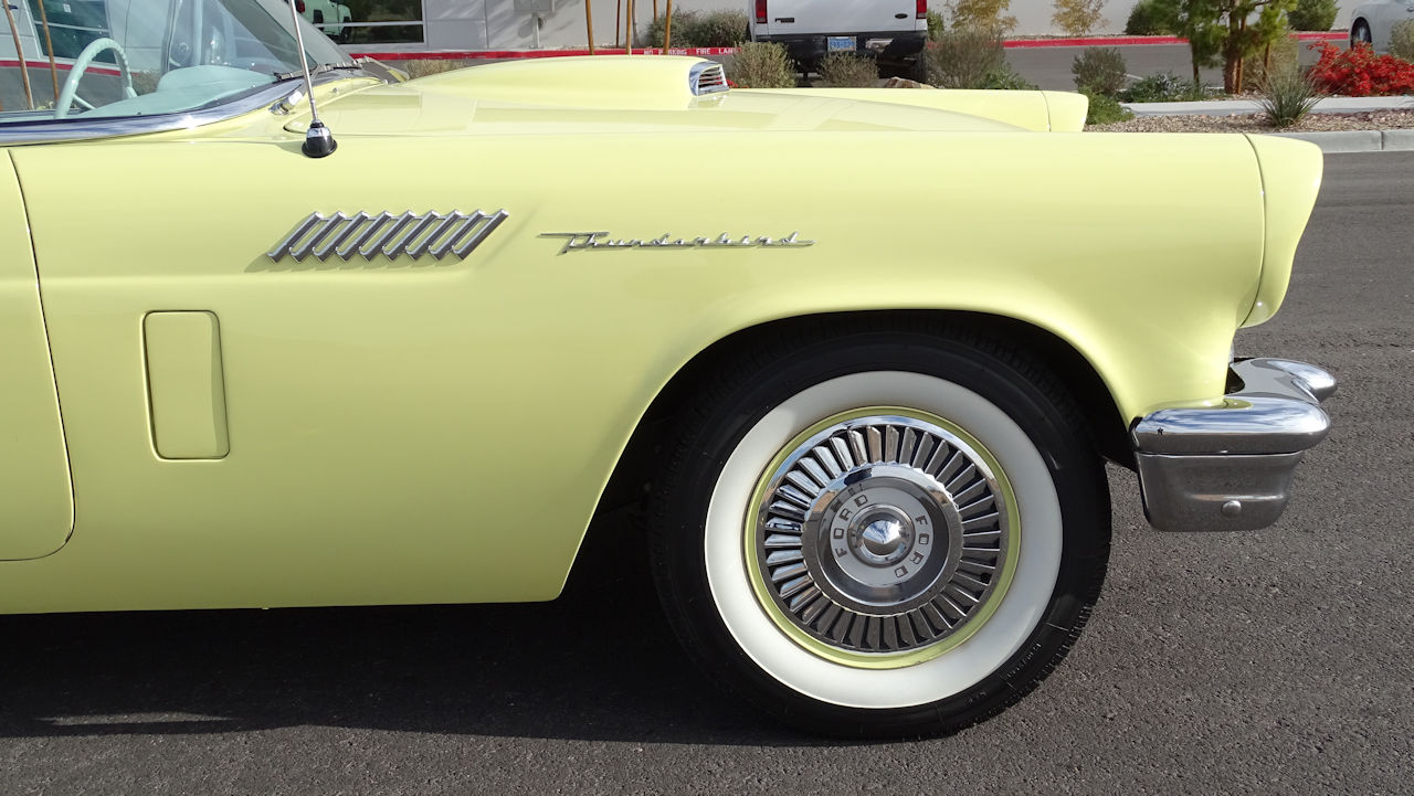 1957 Ford Thunderbird 57