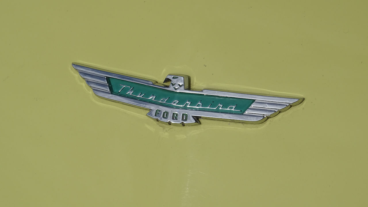 1957 Ford Thunderbird 82