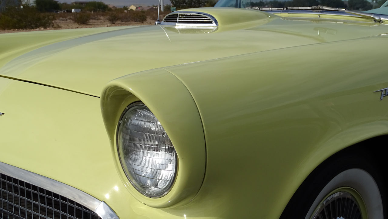 1957 Ford Thunderbird 87