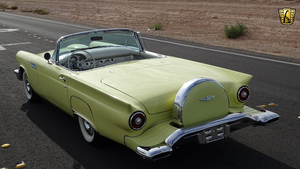 1957 Ford Thunderbird 89
