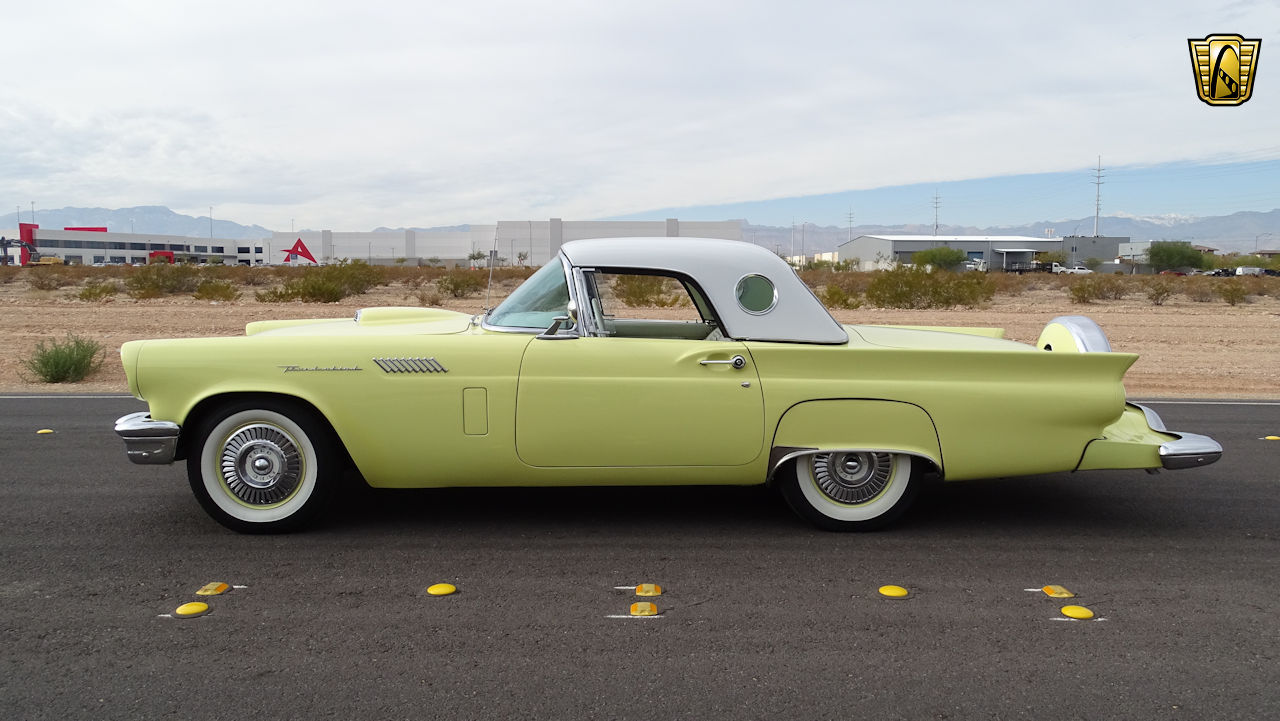 1957 Ford Thunderbird 93