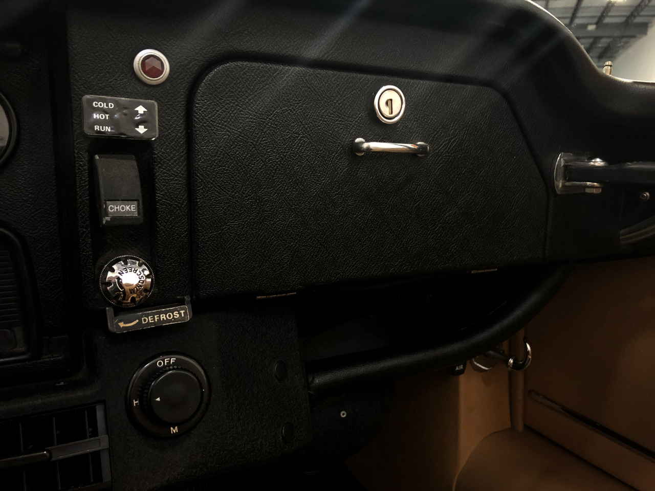 1973 Jaguar XKE 10