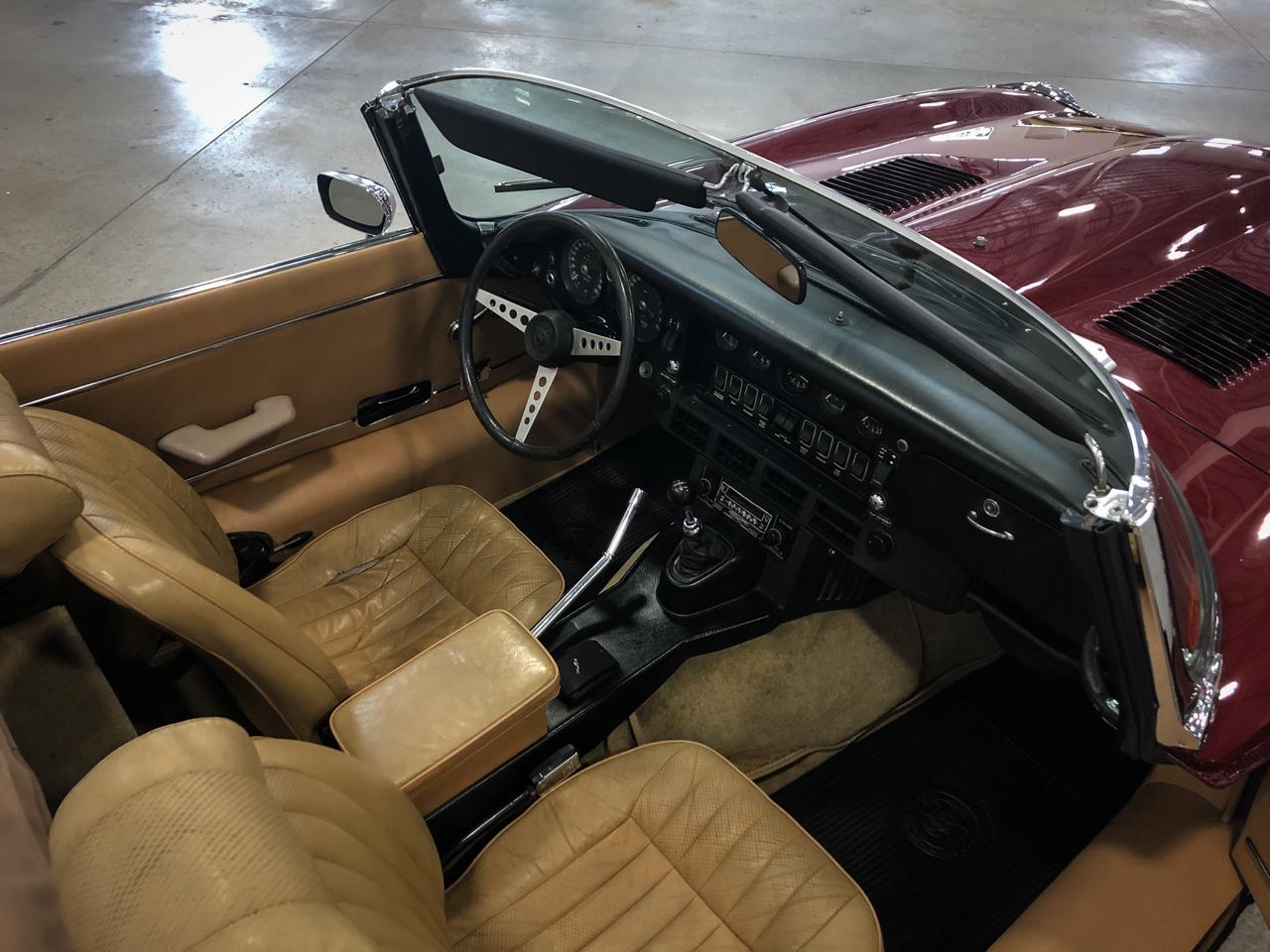 1973 Jaguar XKE 25