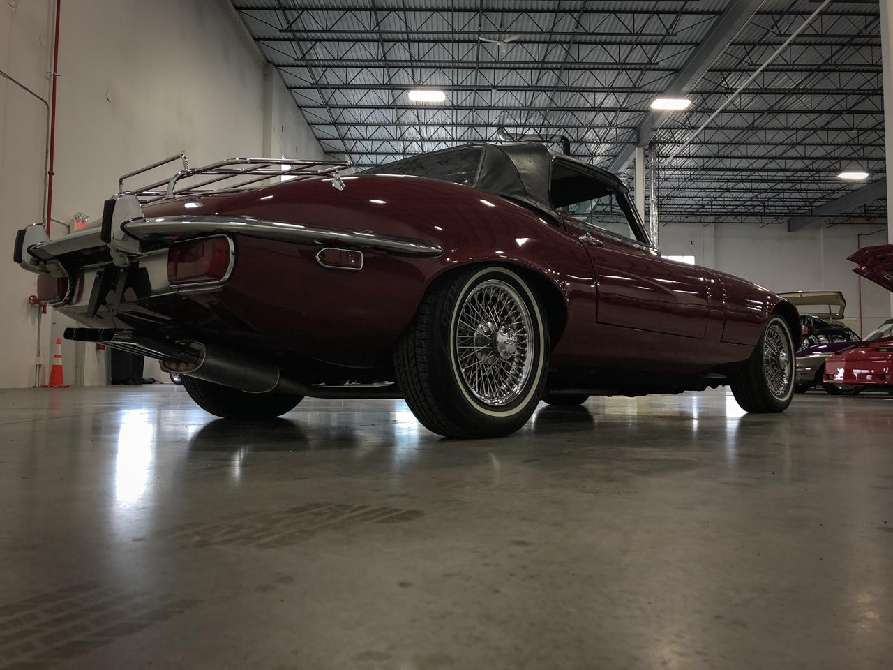 1973 Jaguar XKE 38