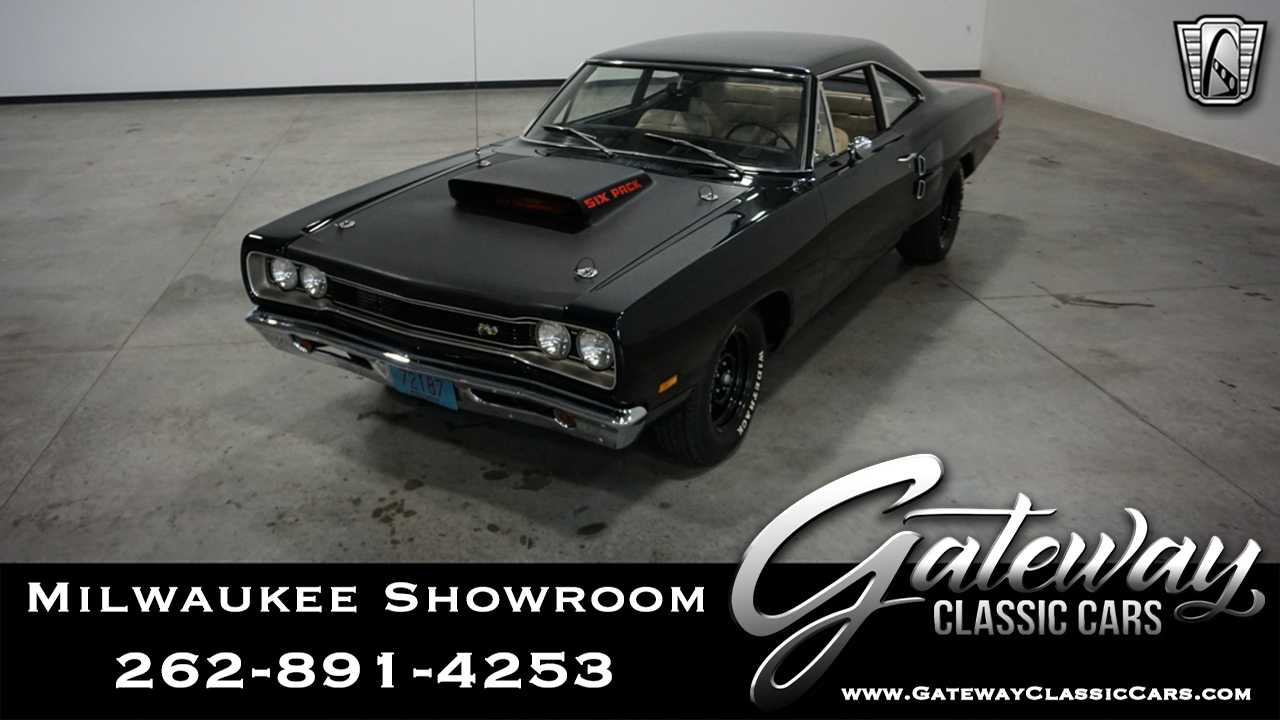 https://images.gatewayclassiccars.com/carpics/MWK/667/1969-Dodge-Coronet.jpg