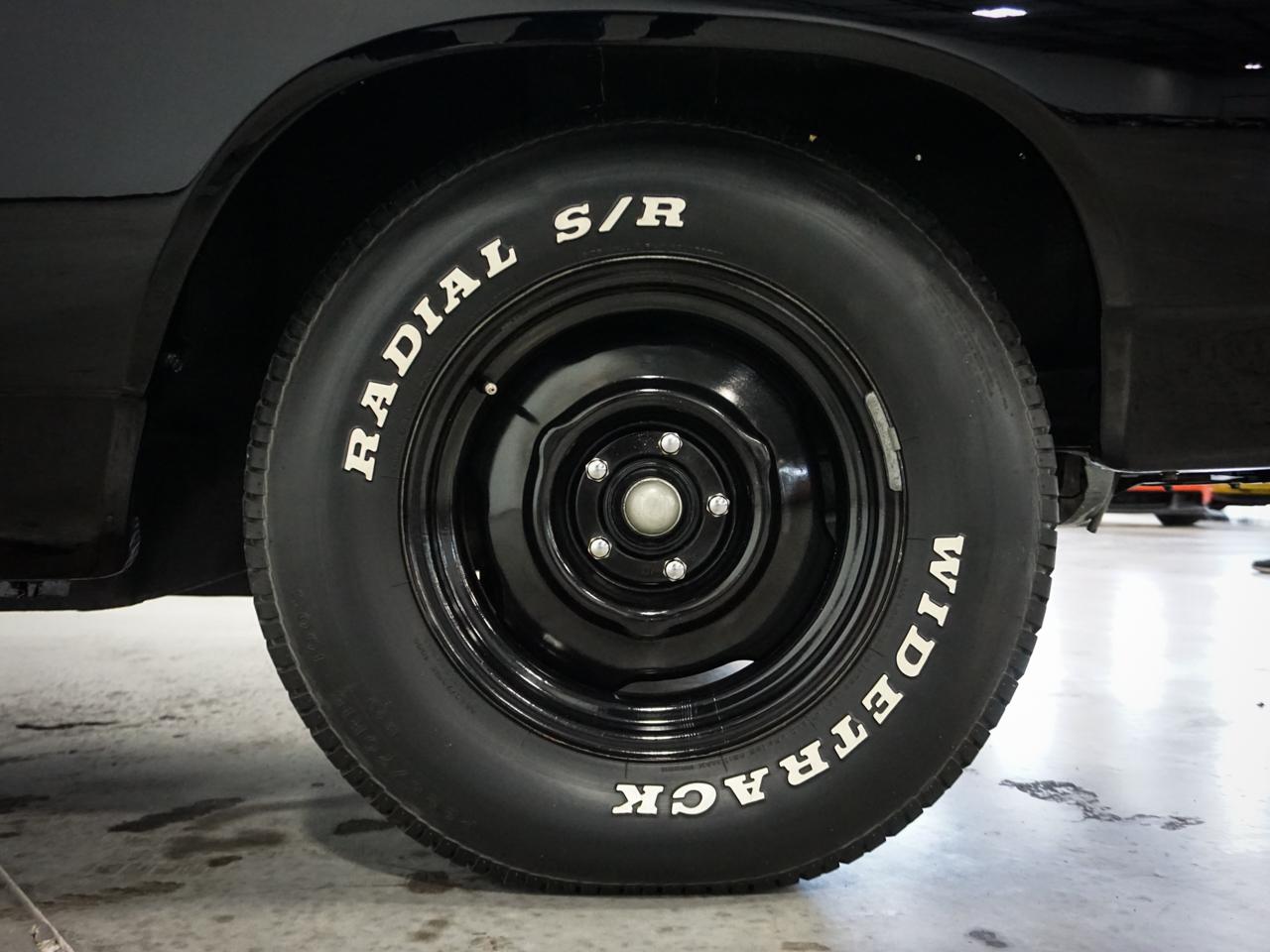 1969 Dodge Coronet 80