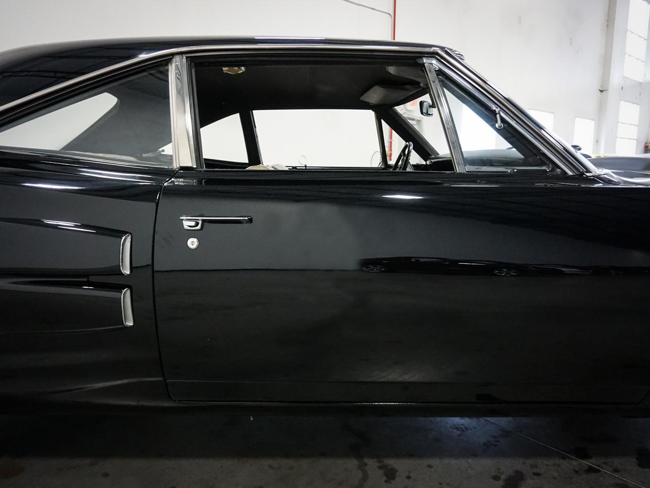 1969 Dodge Coronet 19
