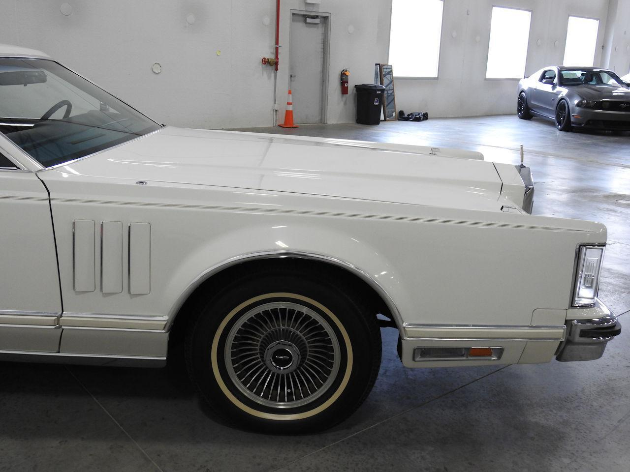 1979 Lincoln MKV 41