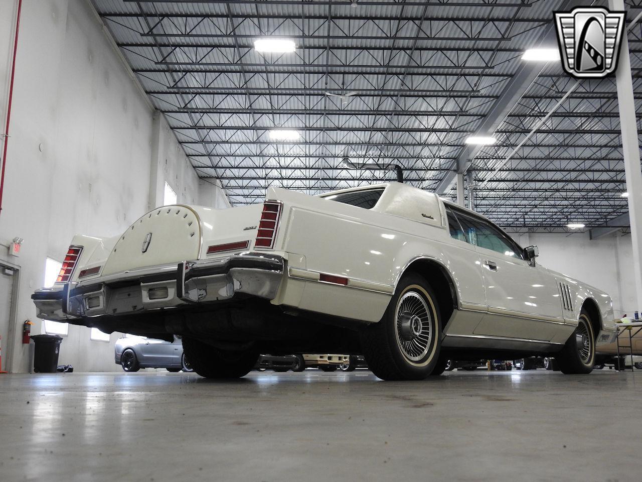1979 Lincoln MKV 11