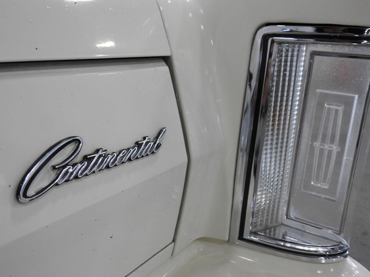 1979 Lincoln MKV 12