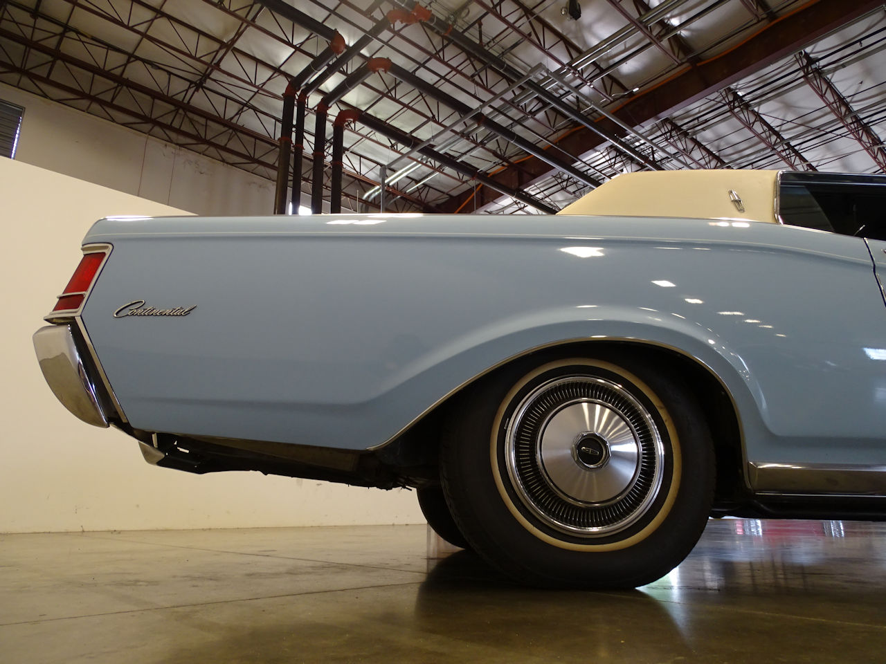 1970 Lincoln Continental 4