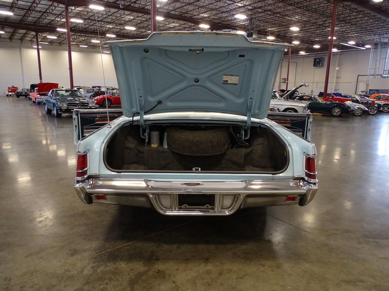 1970 Lincoln Continental 13