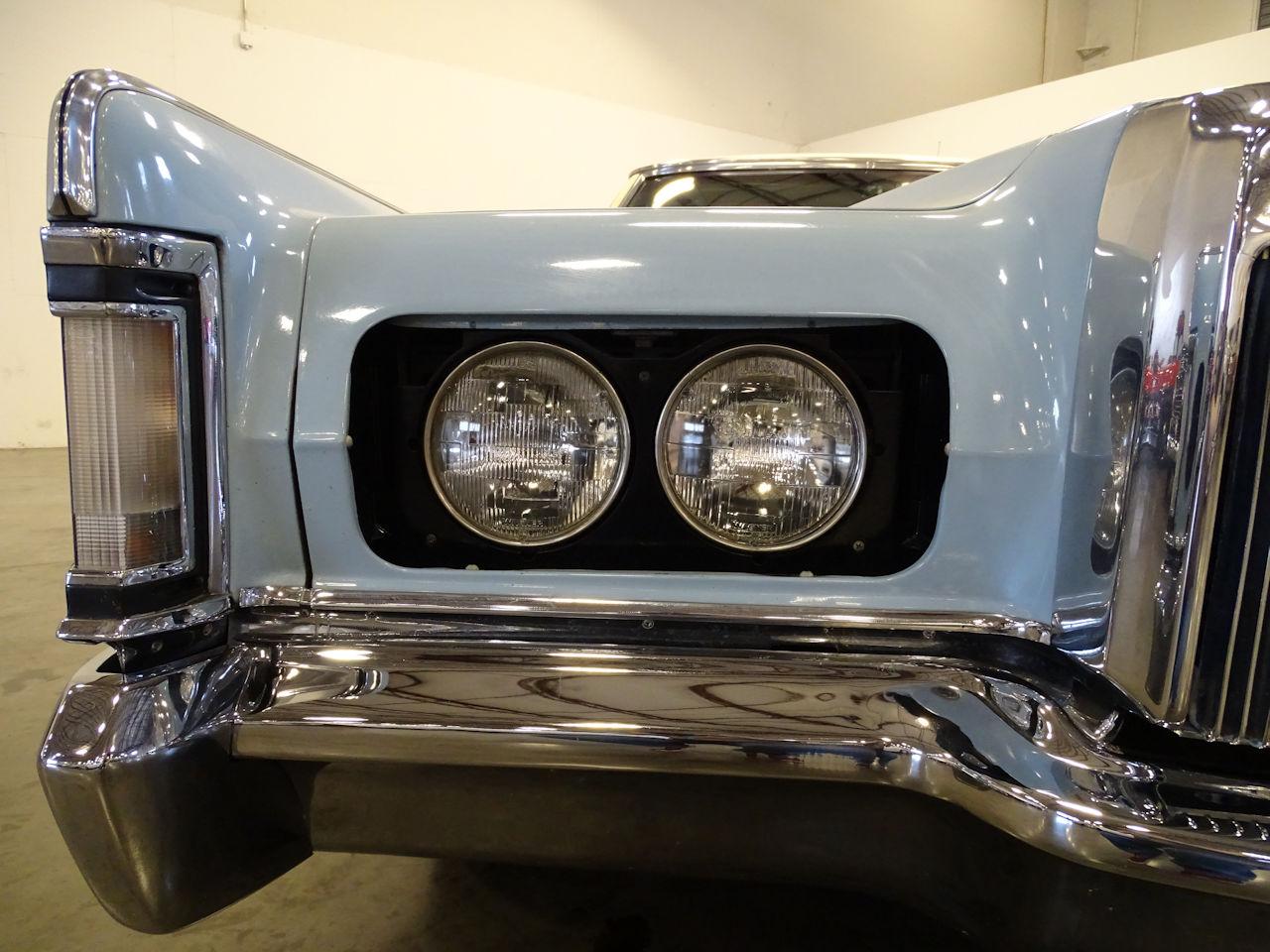 1970 Lincoln Continental 19