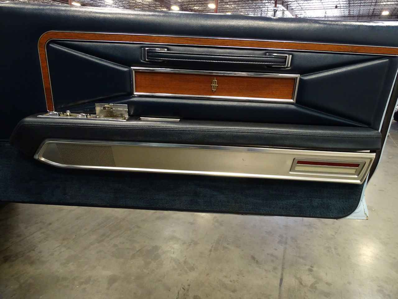 1970 Lincoln Continental 30