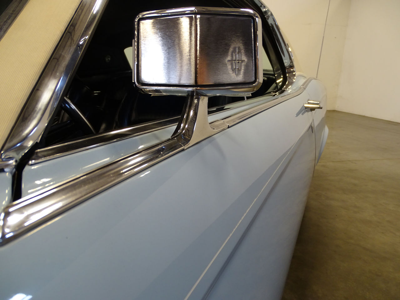 1970 Lincoln Continental 34