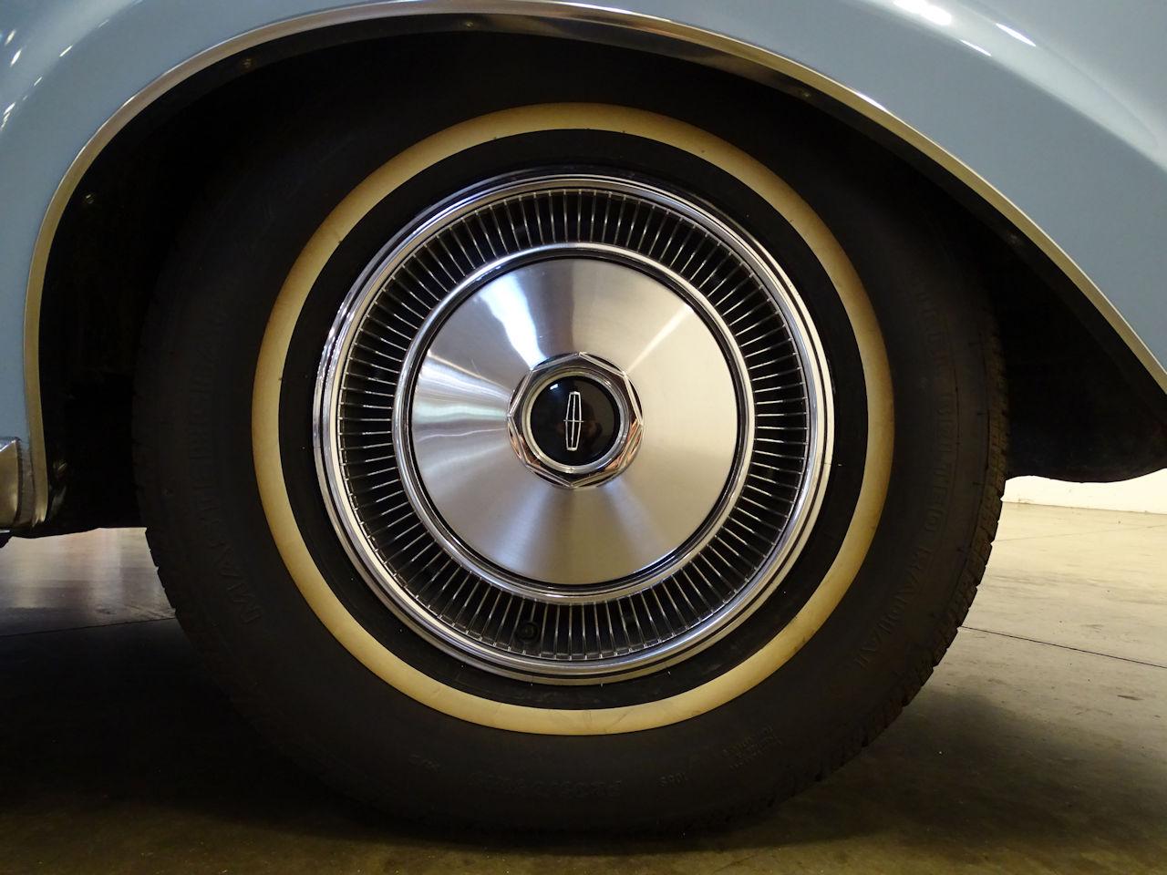 1970 Lincoln Continental 41