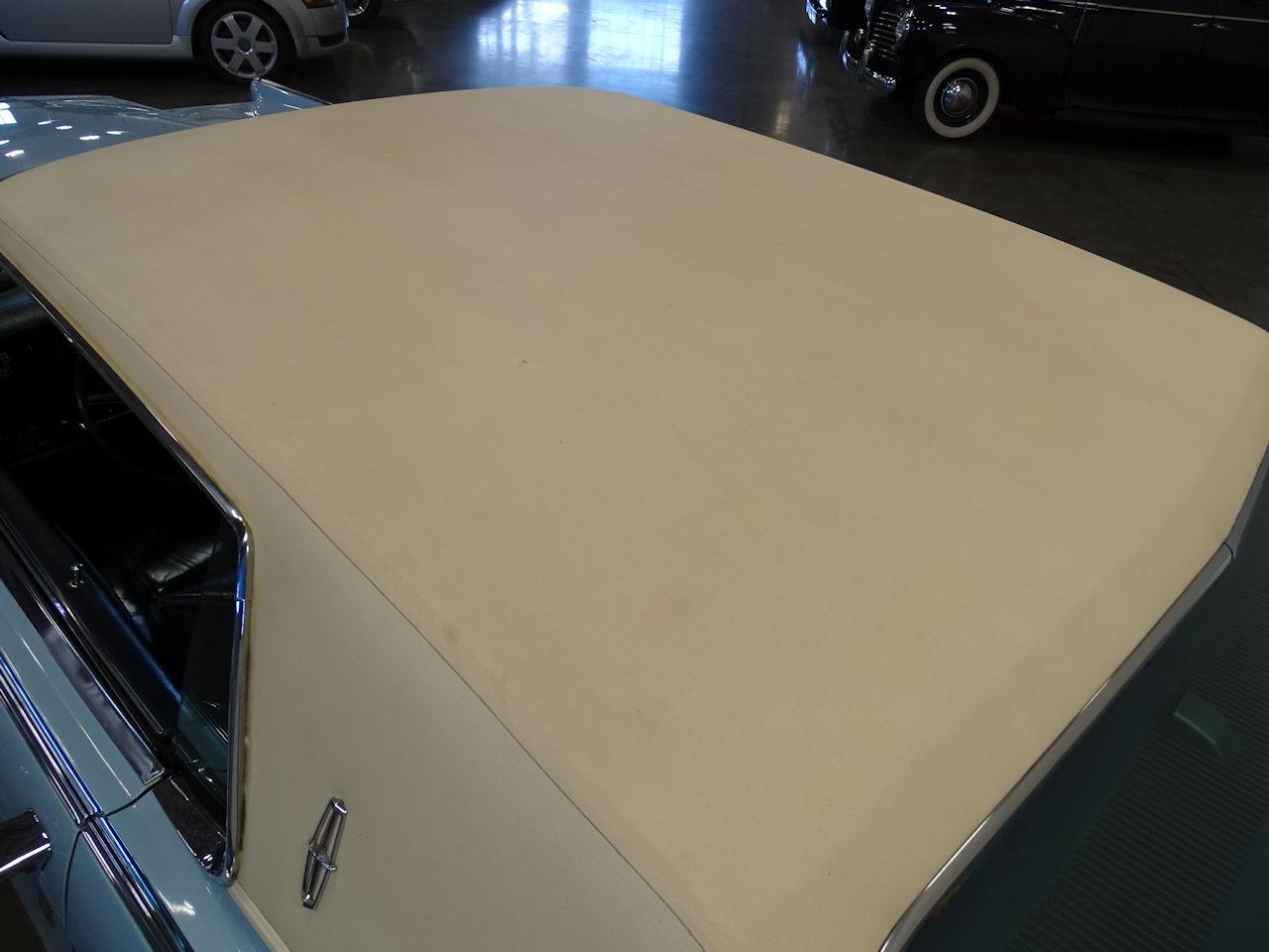 1970 Lincoln Continental 43