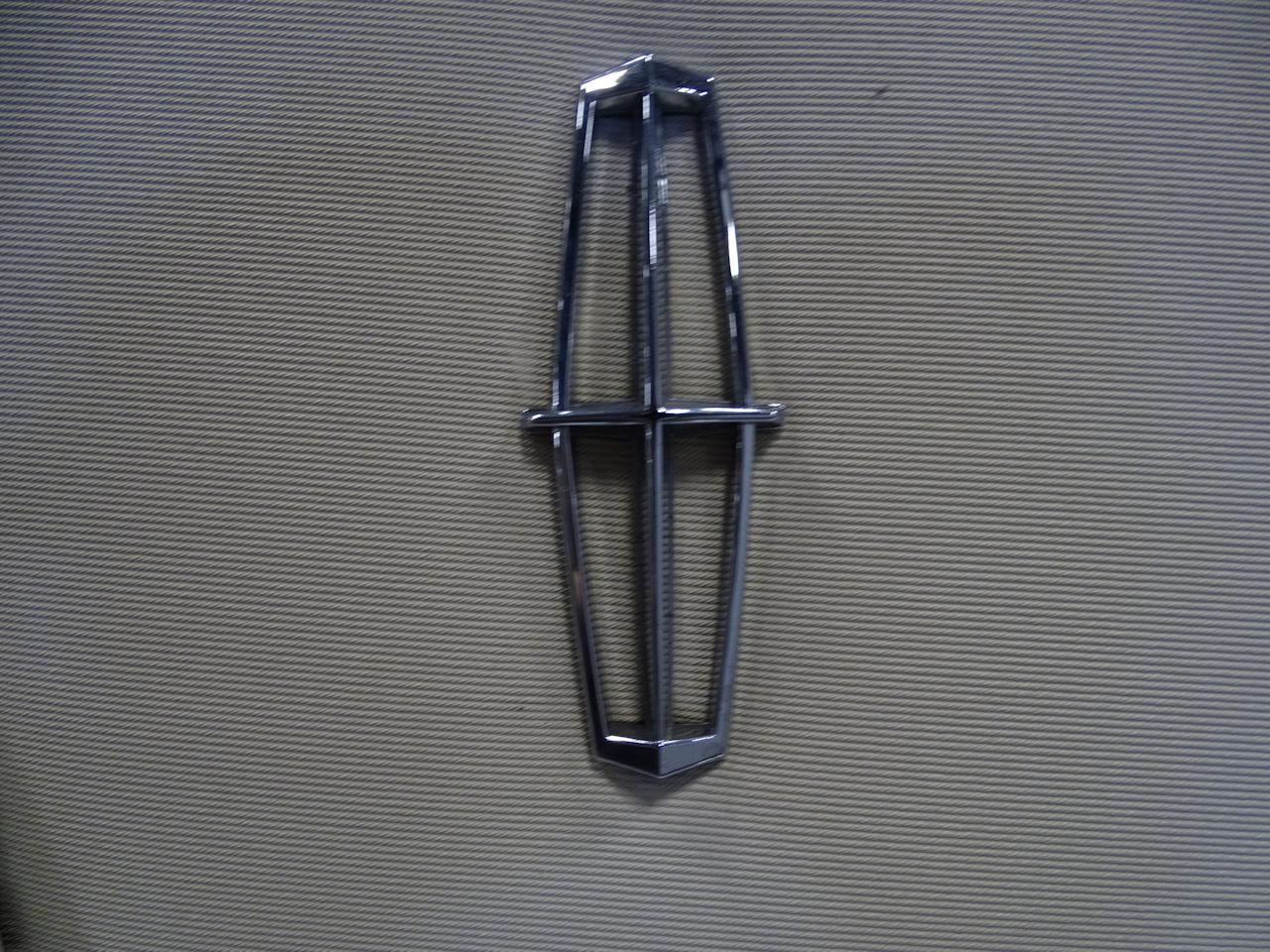 1970 Lincoln Continental 44