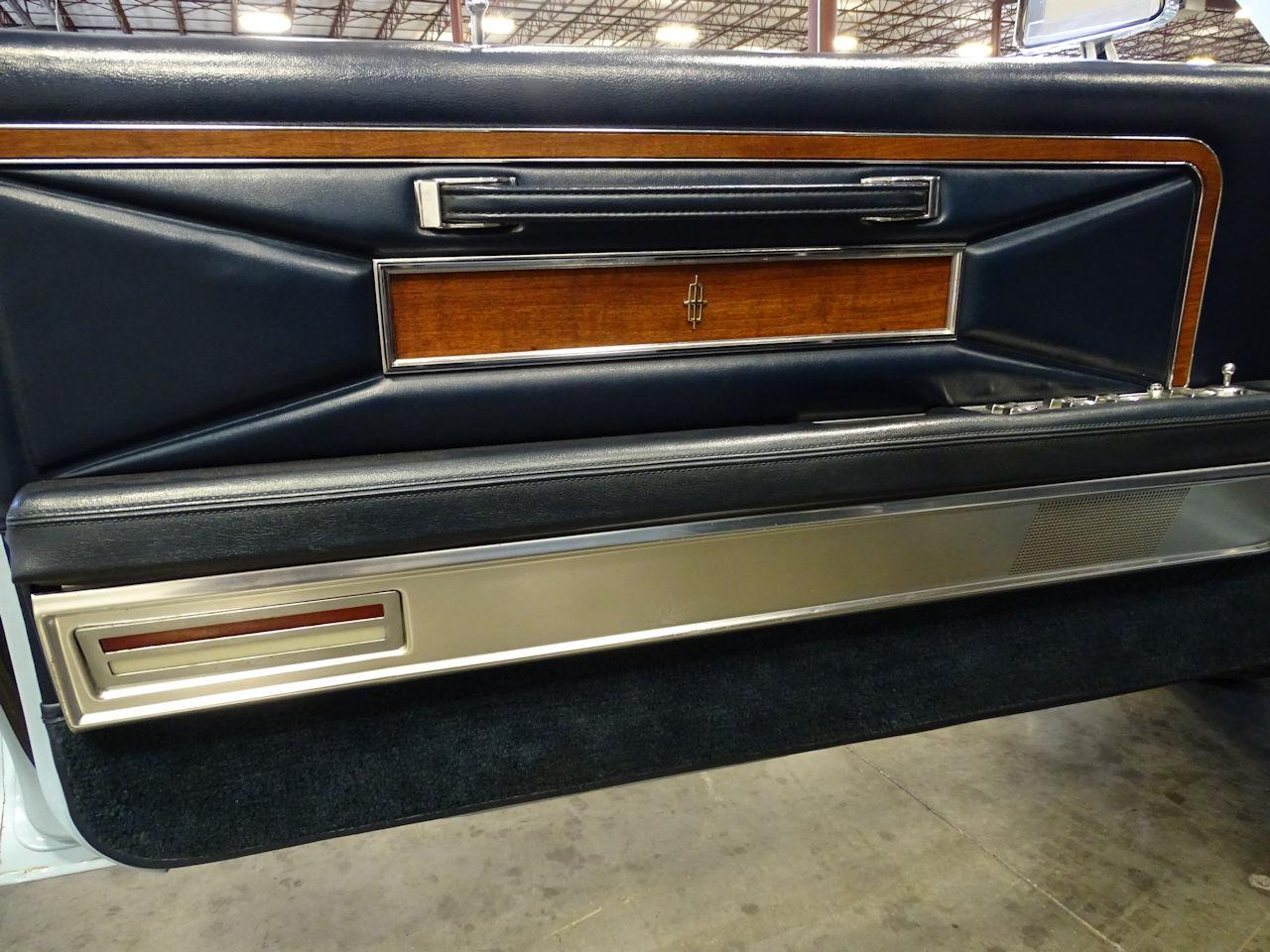1970 Lincoln Continental 74