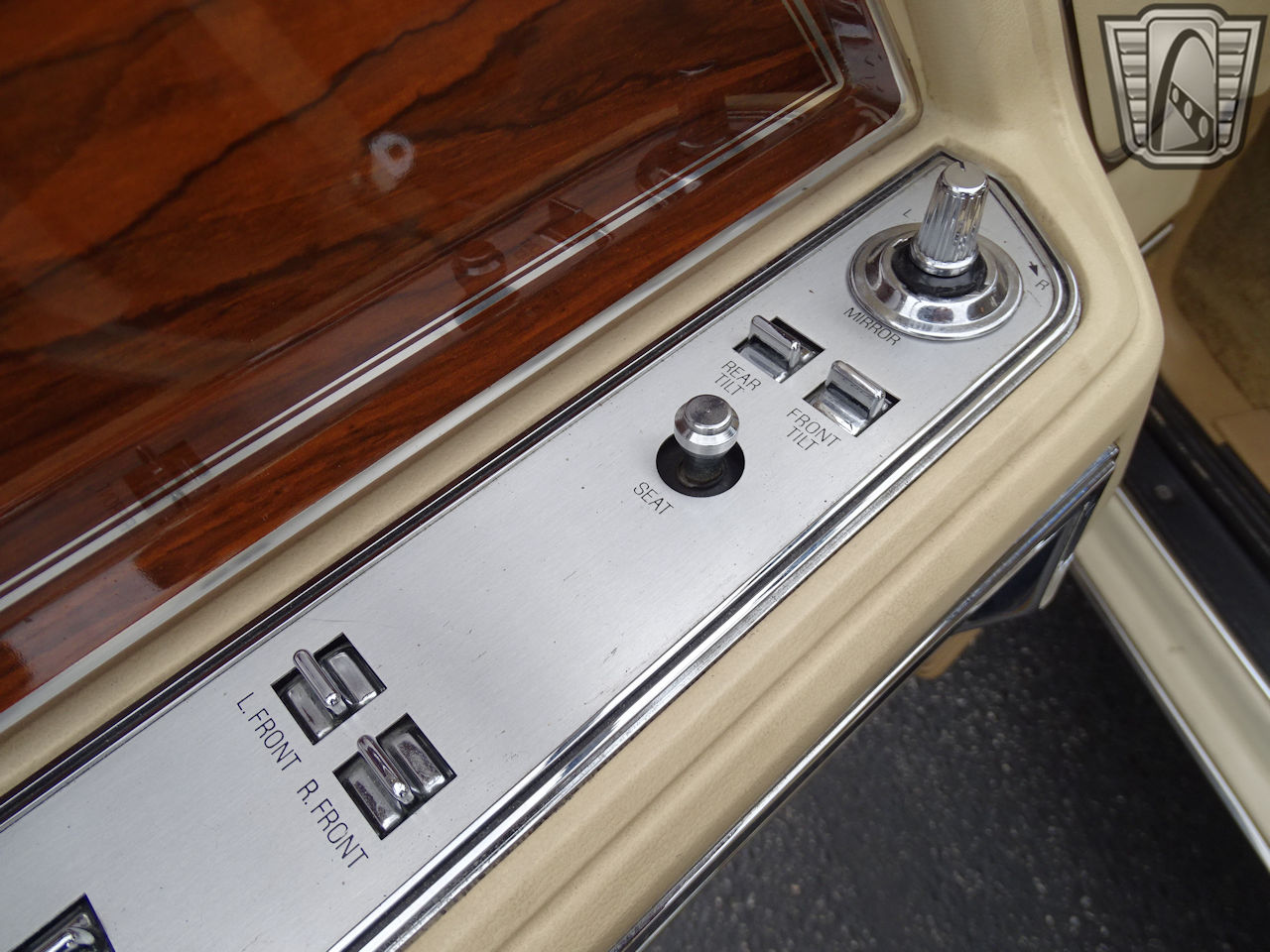 1983 Lincoln Continental 5