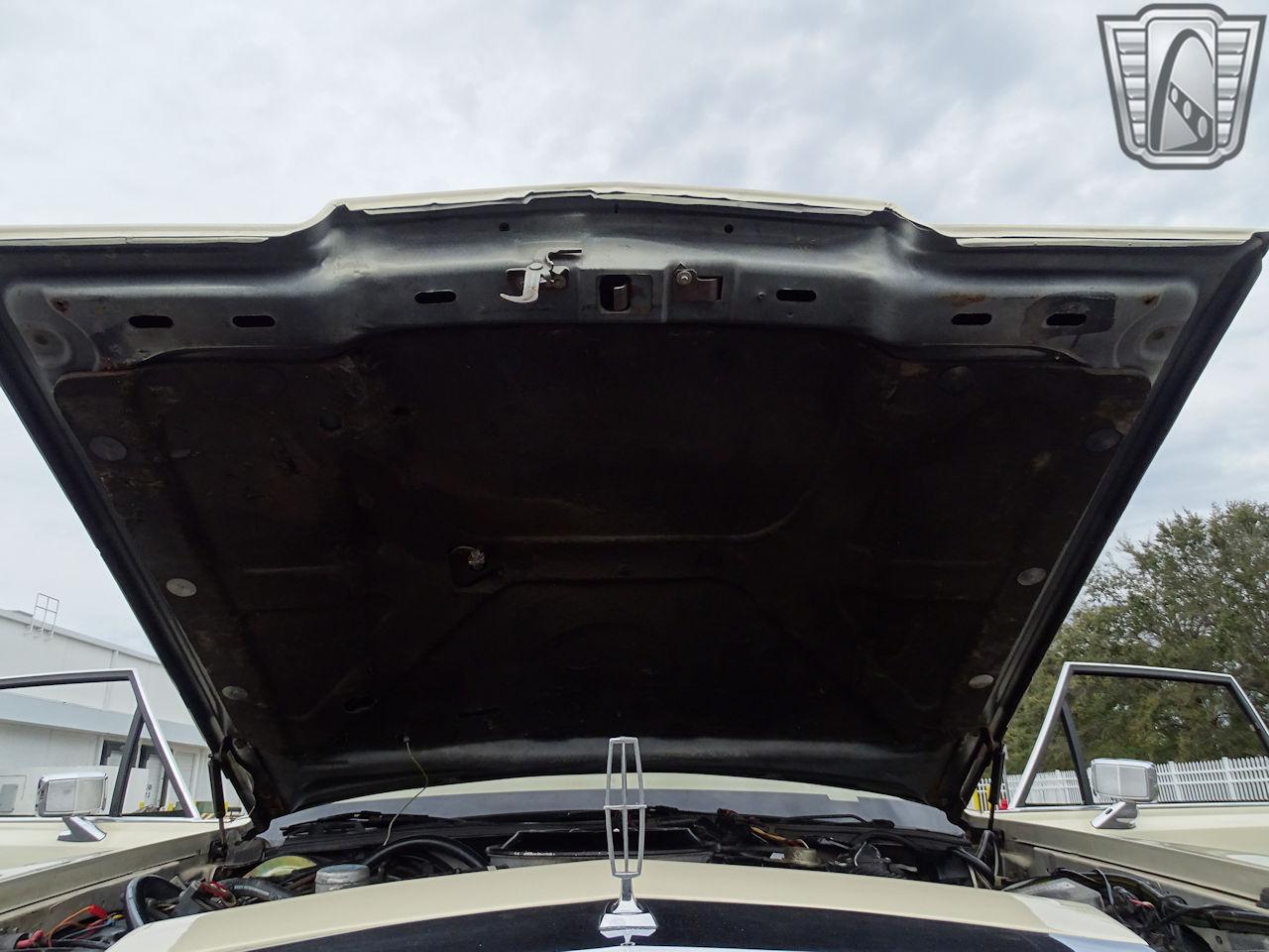 1983 Lincoln Continental 6