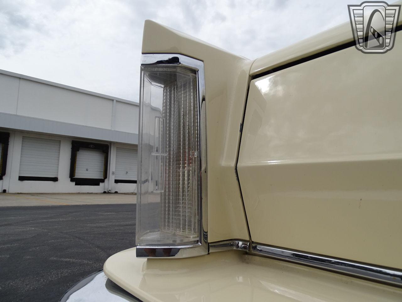 1983 Lincoln Continental 26