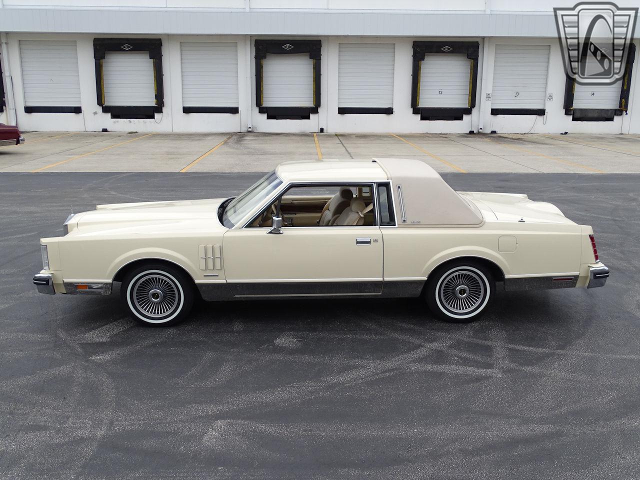 1983 Lincoln Continental 28