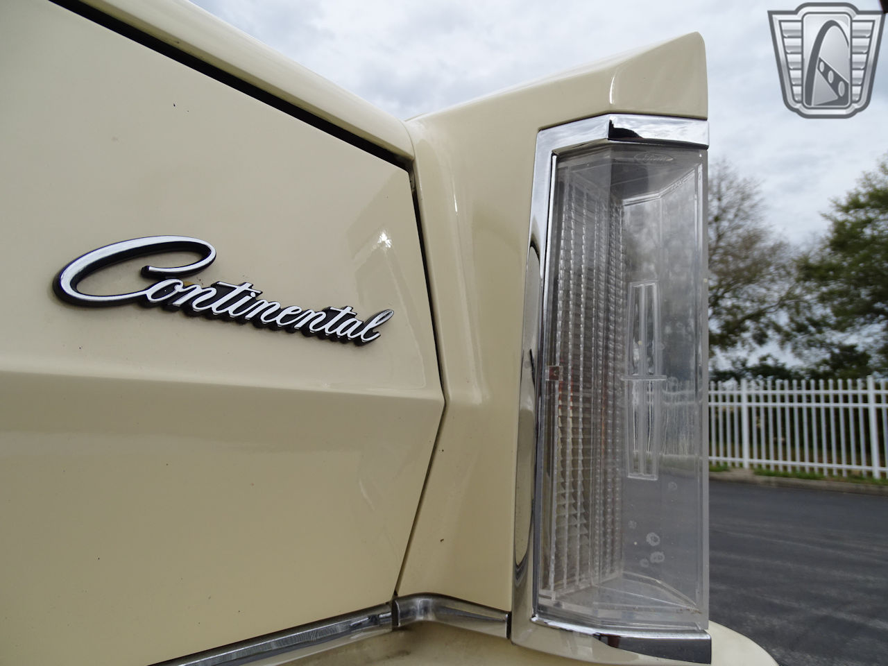 1983 Lincoln Continental 30