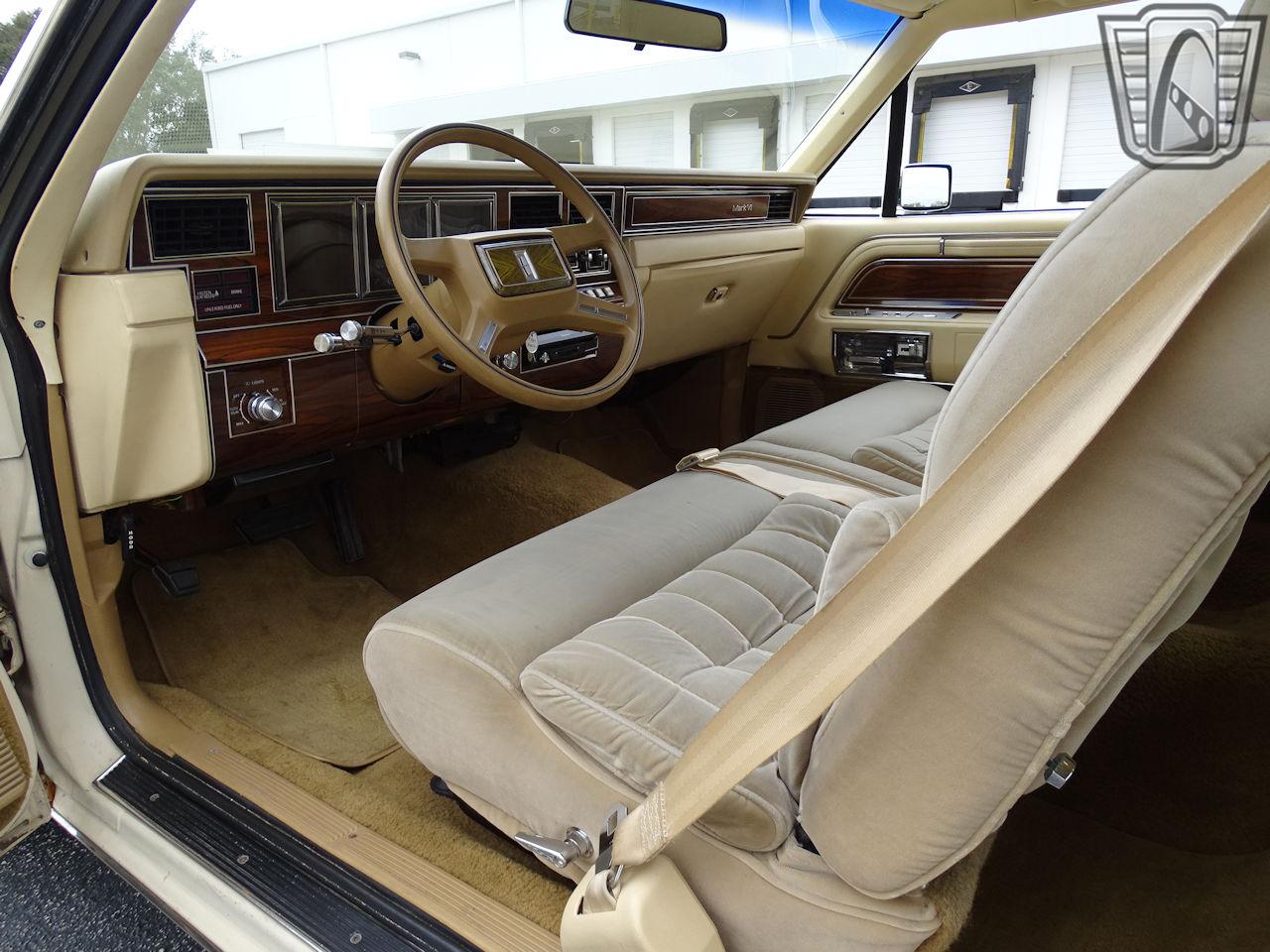 1983 Lincoln Continental 31