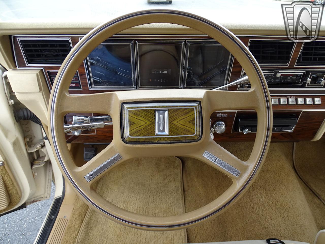 1983 Lincoln Continental 35