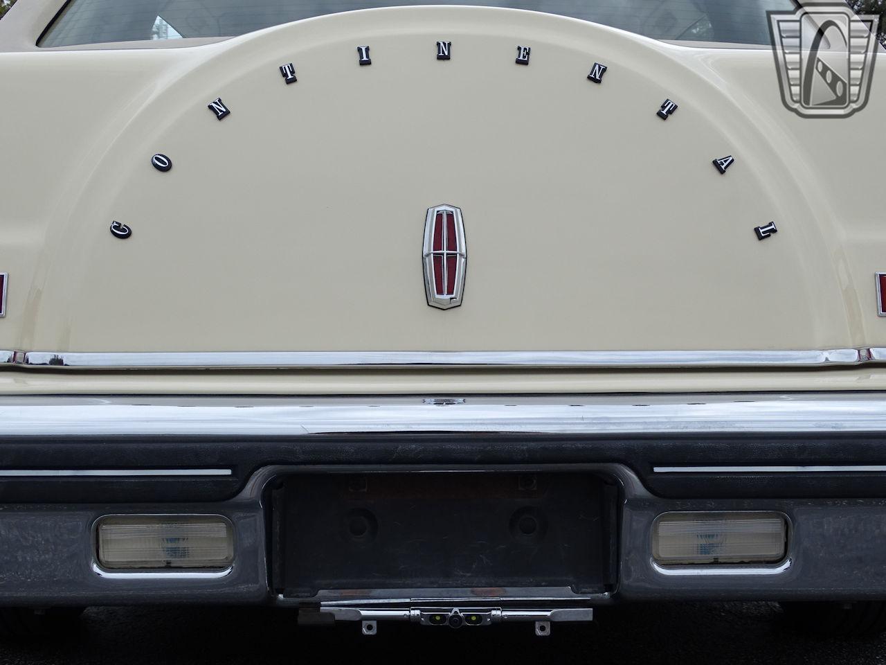 1983 Lincoln Continental 41