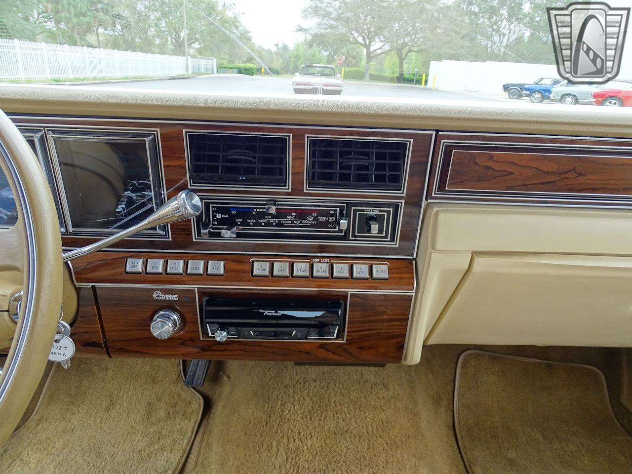 1983 Lincoln Continental 51