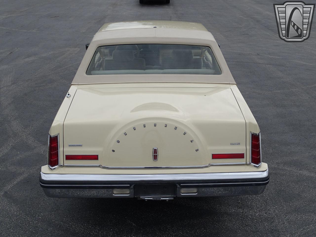 1983 Lincoln Continental 52