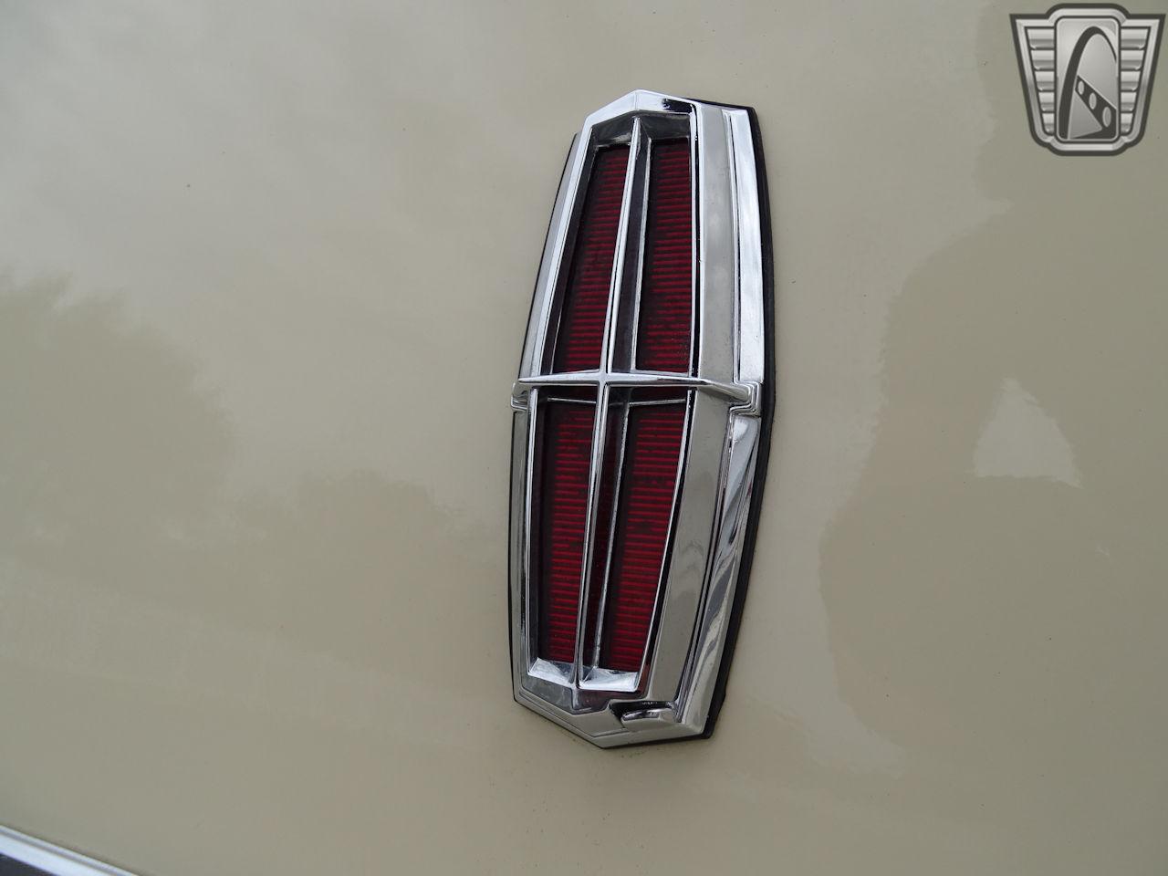 1983 Lincoln Continental 66
