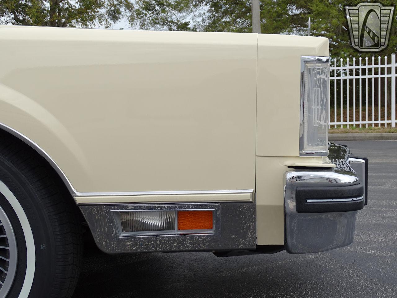 1983 Lincoln Continental 73